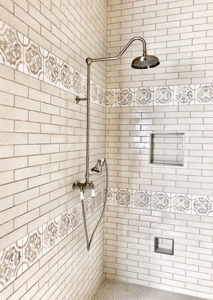 Farmhouse vintage shower faucet, vintage tub