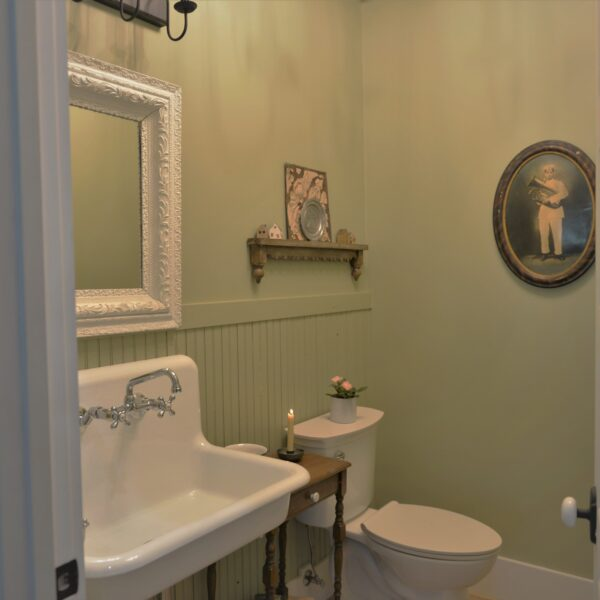 Vintage tub and bath, Vintage Cast Iron Sink, Farmhouse Sink