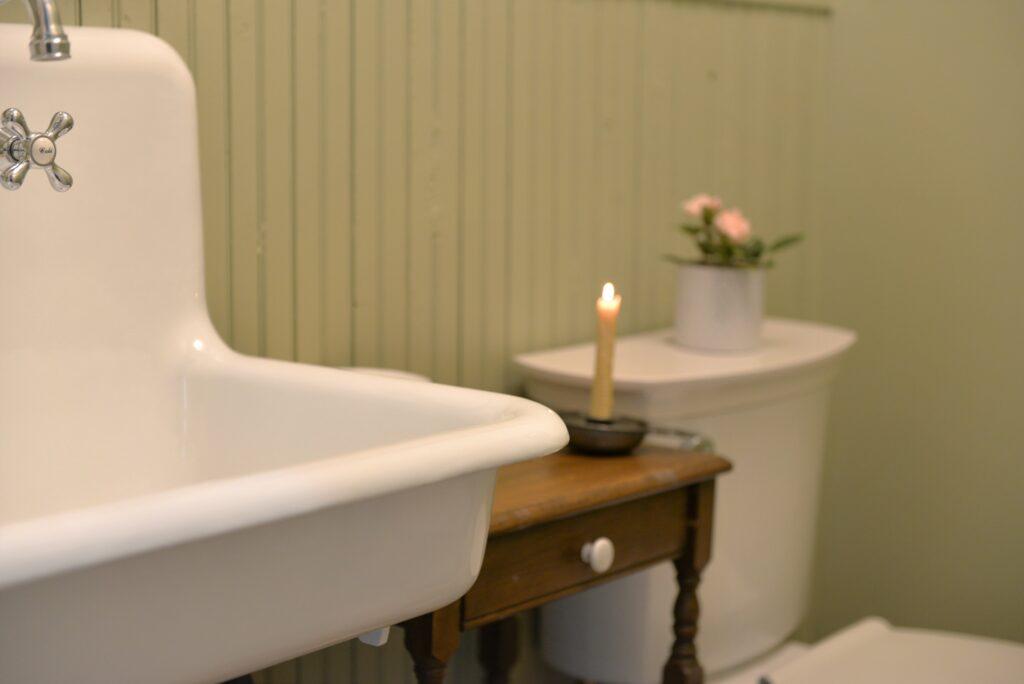 farmhouse sink, vintage cast iron farmhouse sink